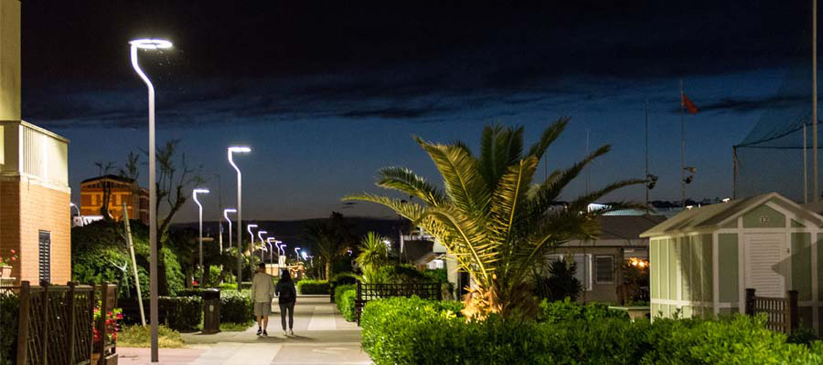 street lamps are availabe in Elettrico store
