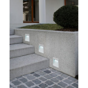 Outdoor built in spot light for landscape to illuminate staircase