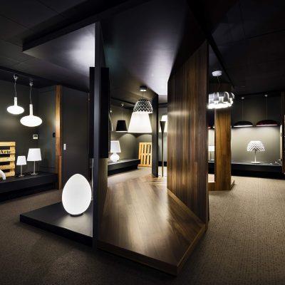 تركيبات الإضاءة في معرضنا في دبي