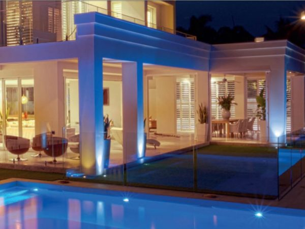 Exteriro design with the spot lights.