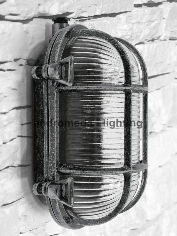 Vintage look bulkhead lamp