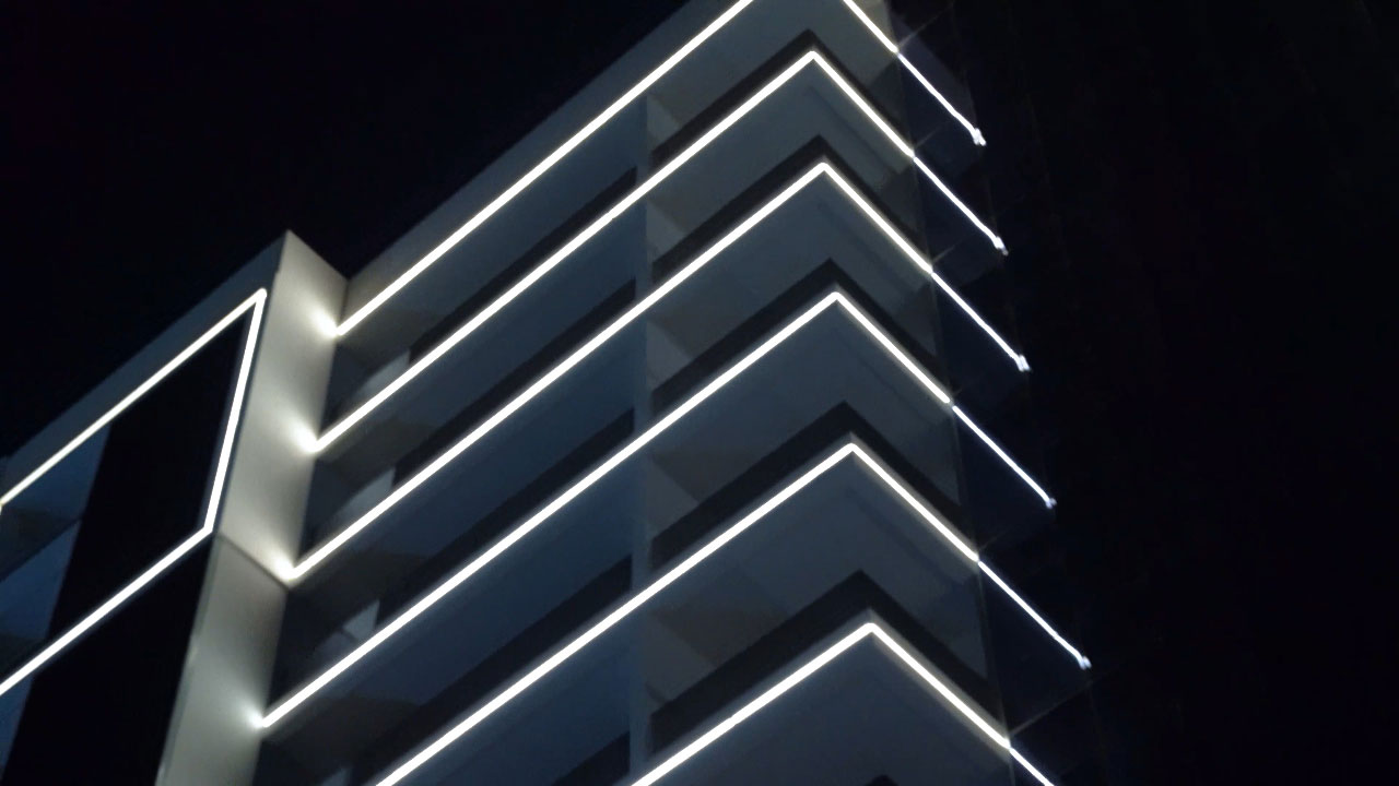 Apartment building facade lighing design