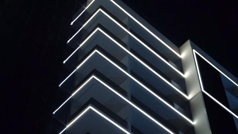 Exterior facade illumination