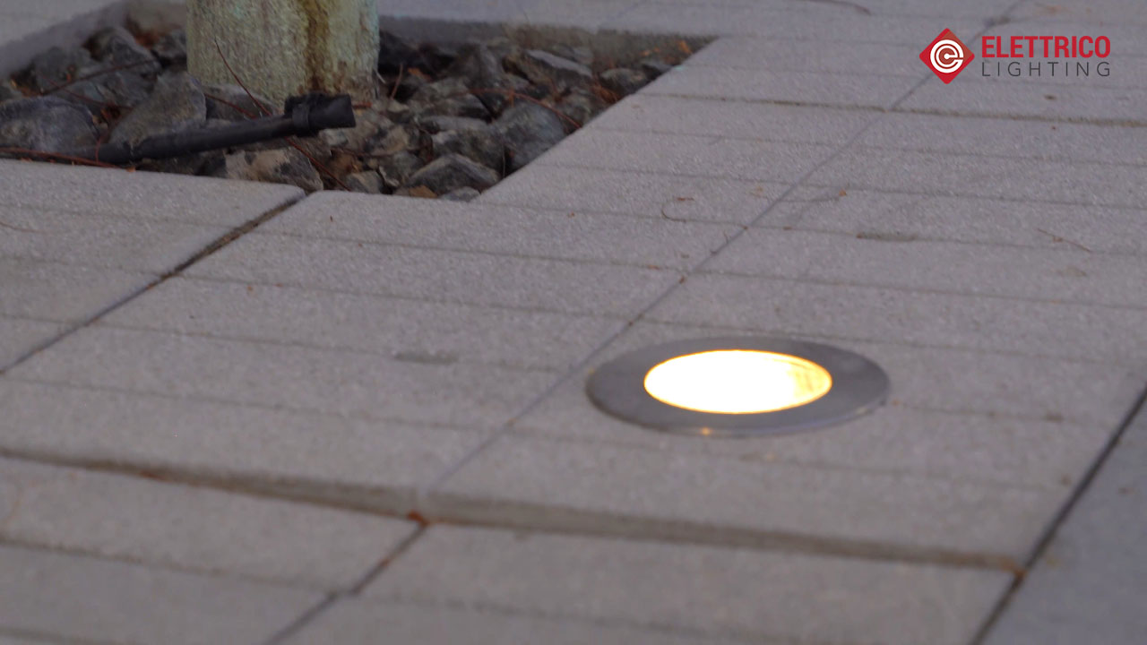 Outdoor inground lighting